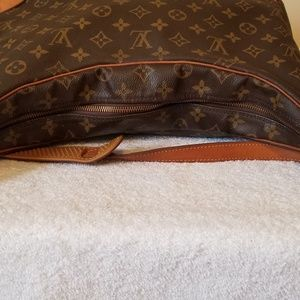 Louis Vuitton Bags - LV bolougne 30 authentic